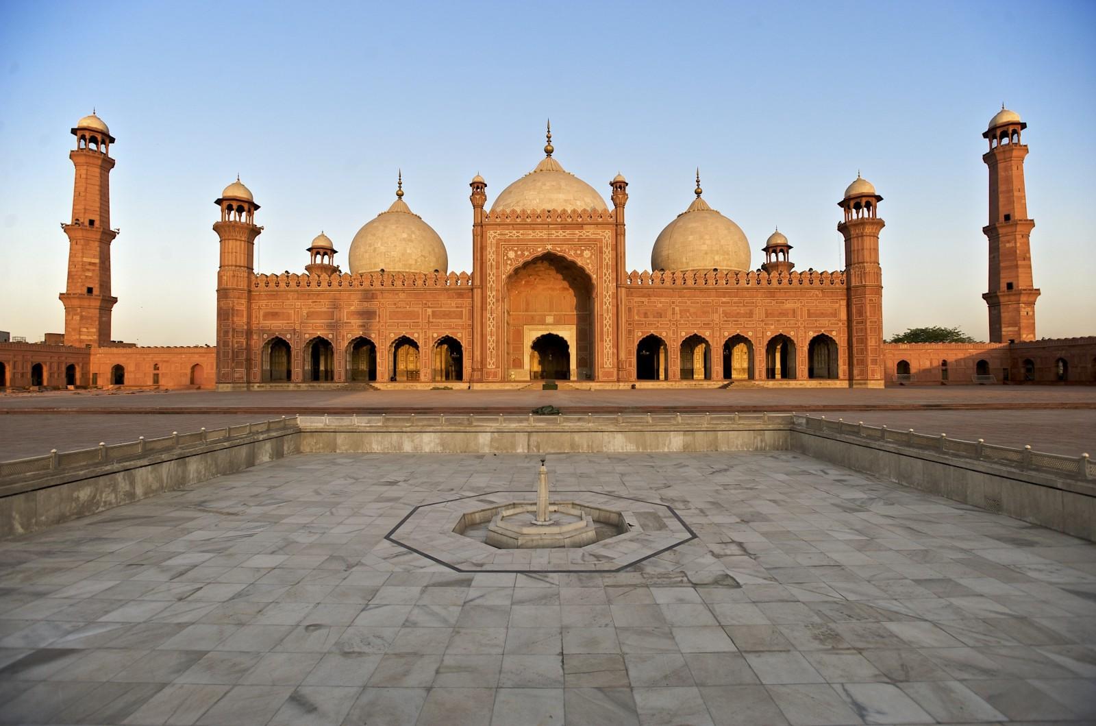 Çin Söz Verdi: Pakistan'ı İslam'ın İmparatoru Yapacağım