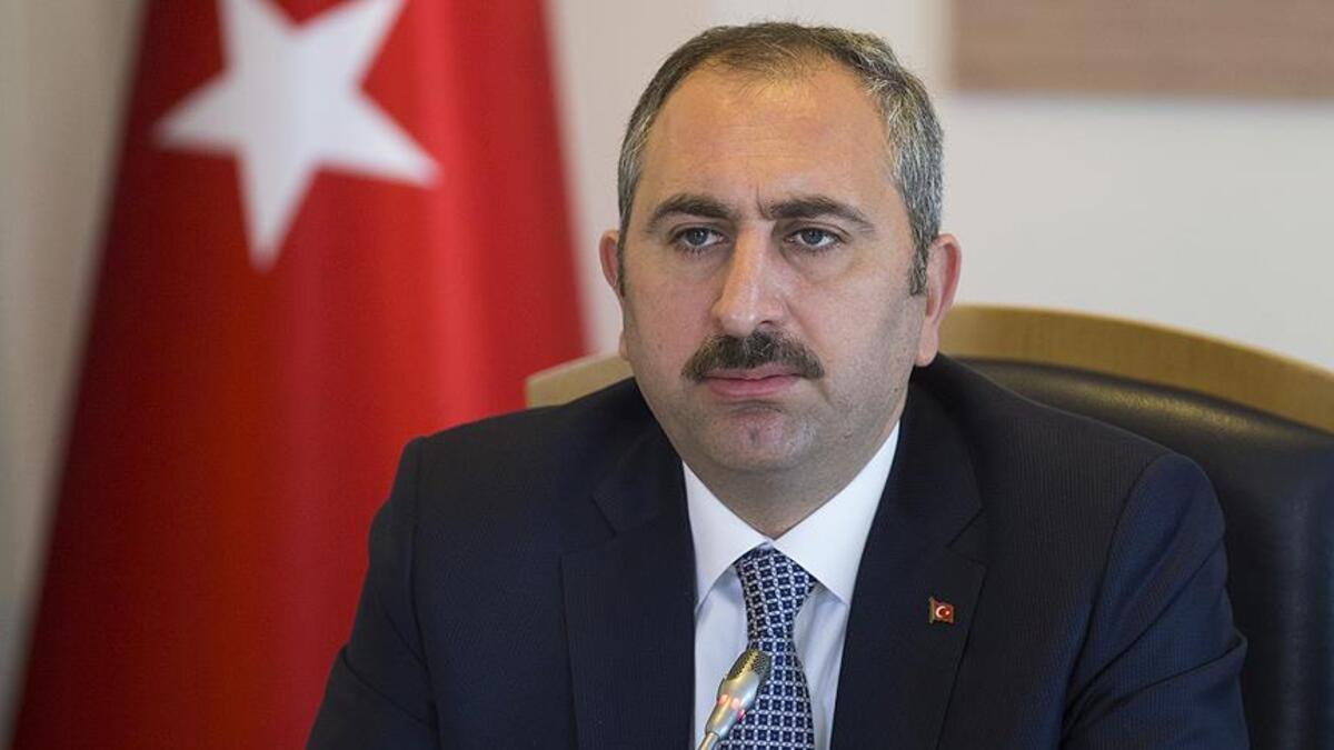 Adalet Bakanı Gül: Karantinaya uymamak gibi halk sağlığını tehdit eden davranışlar TCK'ya göre suçtur