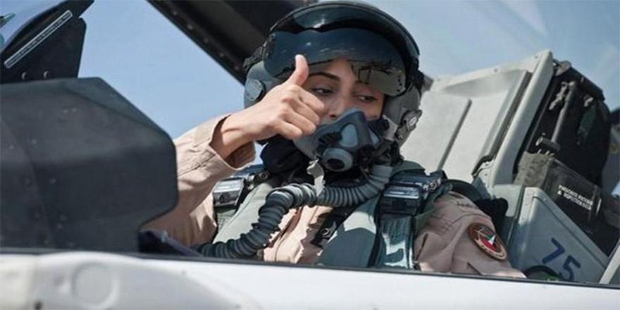 Hava Kuvvetlerine kadın pilot alımı durduruldu