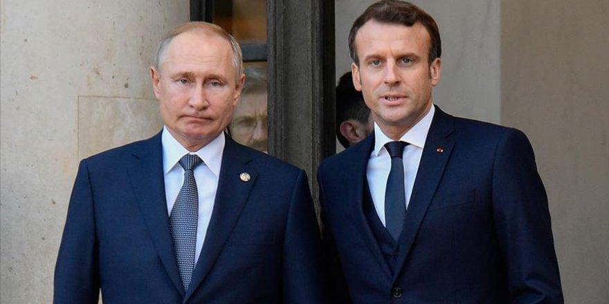 Rusya Devlet Başkanı Putin ve Fransa Cumhurbaşkanı Macron'dan Kovid-19 Görüşmesi