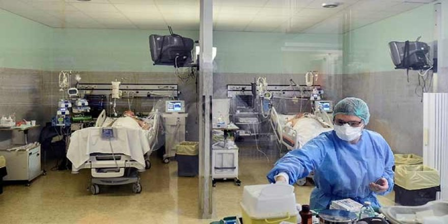ABD'de Koronavirüs Tahminleri: Ölümlerin Sayısı 4 Ayda 81 Bin Kişiyi Geçebilir