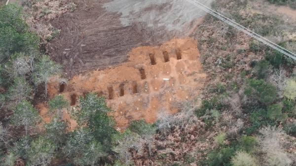 Koronadan ölenler için iki mezarlık belirlendi: Mahalle sakinleri isyan etti