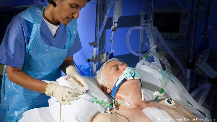 Koronavirüs: Kronik hastalıklar neden riski artırıyor?