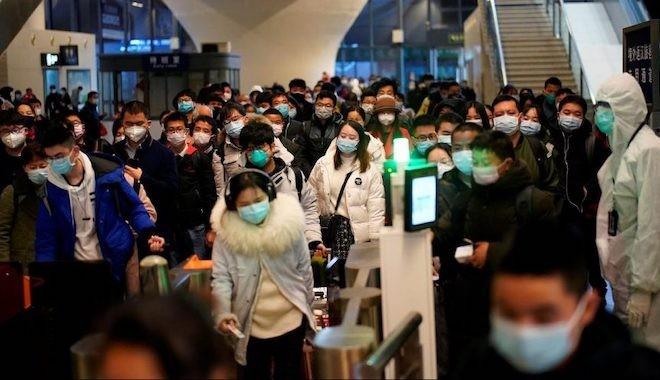 Herşeyin başladığı Wuhan'da insanlar sokakta, İtalya'da en ölümcül gün