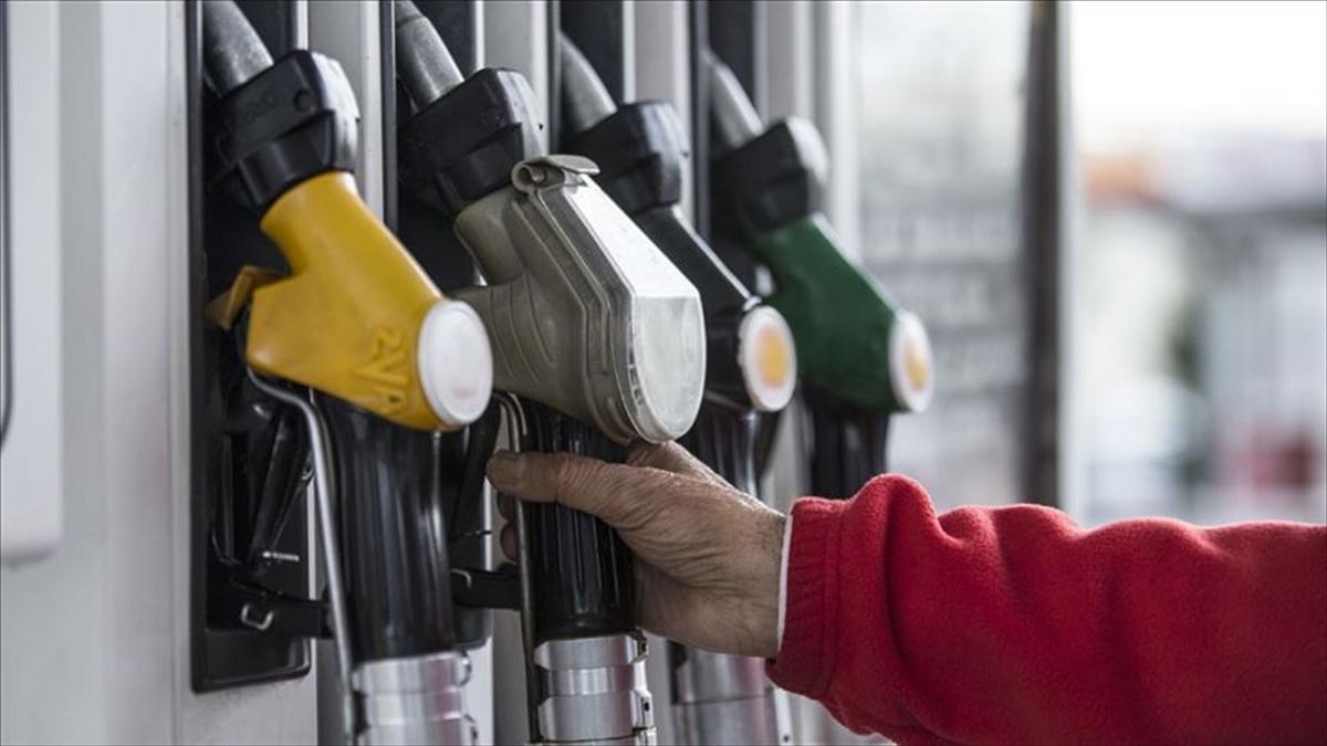 Benzine 8 Kuruş Zam, Otogaza 95 Kuruş İndirim