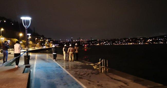 Otomobil denize uçtu! Sürücüyü bölgede tesadüfen bulunan dalgıç kurtardı