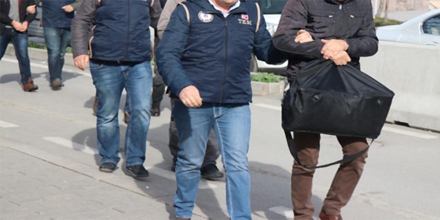 FETÖ'nün TSK yapılanmasına ağır darbe: 722 şüpheli tutuklandı