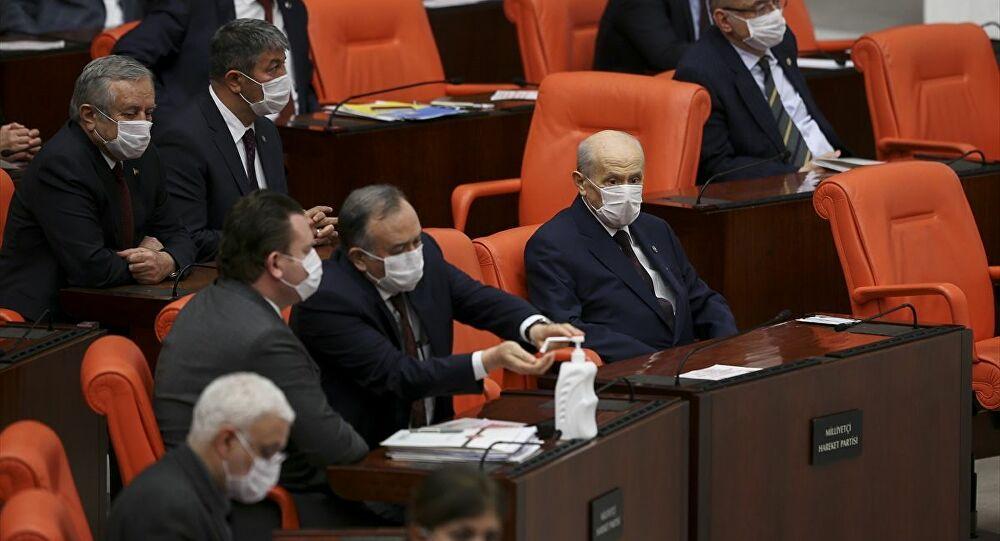 AK Parti'den Bahçeli'ye: Vekil transferiyle ilgili bir hazırlığımız yok