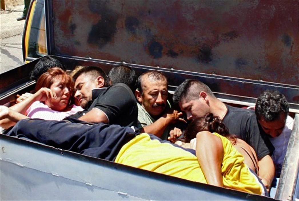 Türkiye'den Yunanistan'a İnsan Kaçakçılığı Yapan Araç Yandı: 10 Göçmen Öldü