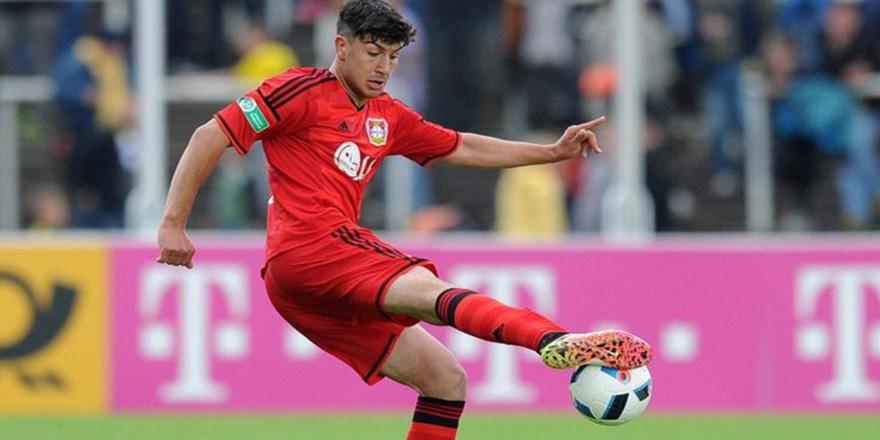 Beşiktaş 19 yaşındaki golcü ile anlaştı
