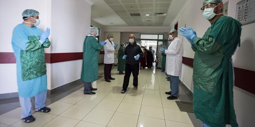 Türkiye'de Kovid-19'dan İyileşen Hasta Sayısı 128 Bine Yaklaştı