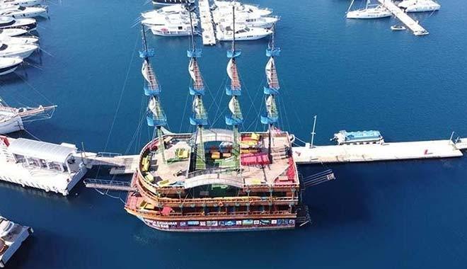 120 milyon borcu bulunan belediye 3 milyon 150 bin TL'ye gezi teknesi satın aldı!