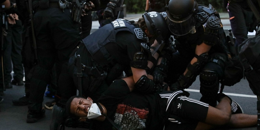 Washington'da Irkçılık Ve Trump Karşıtı Yüzlerce Protestocuya Gözaltı