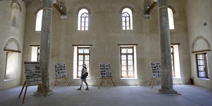 Atina Camisiz Başkent, Tarihi Fethiye Camisi İse Sergi Salonu