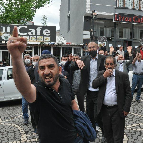 Kars'ta HDP'li belediyenin ihalesinde gerginlik