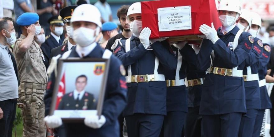 Siirt'te Şehit Olan Astsubay Özcan, Son Yolculuğuna Uğurlandı