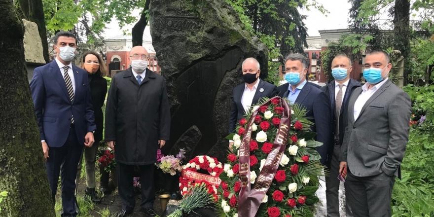 Nazım Hikmet Ölümünün 57. Yılında Mezarı Başında Anıldı