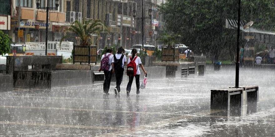 Türkiye'de Geçen Ay Yağış Yüzde 28 Arttı