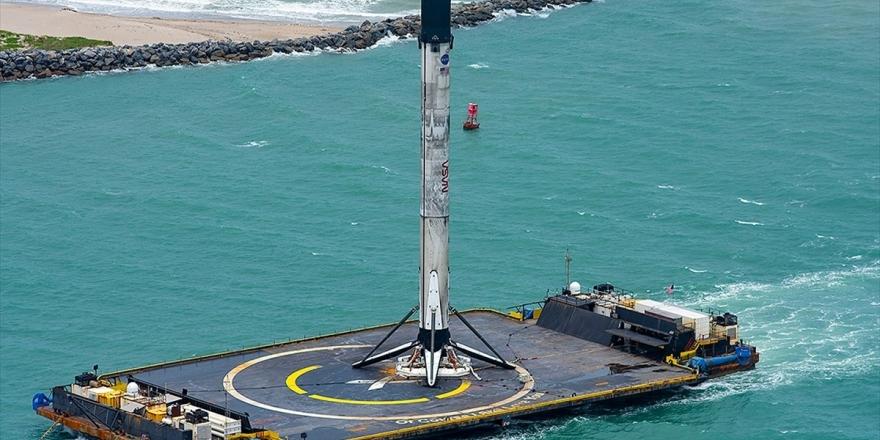 Spacex'in Tarihi Fırlatışı Gerçekleştiren Yeniden Kullanılabilir Roketi Karaya Ulaştı