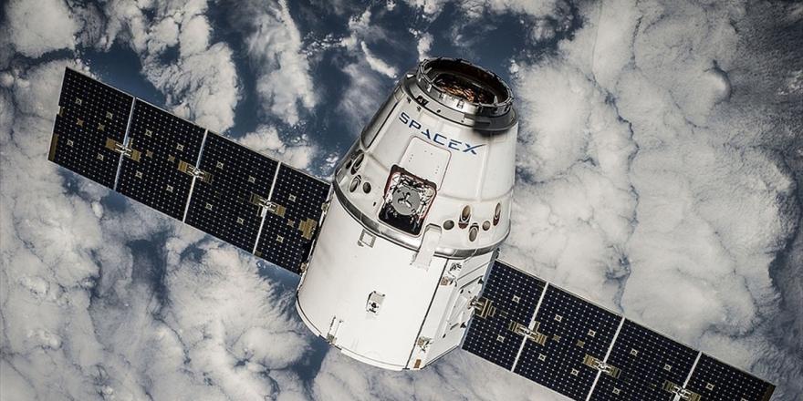 Spacex 60 İnternet Uydusunu Uzaya Fırlattı
