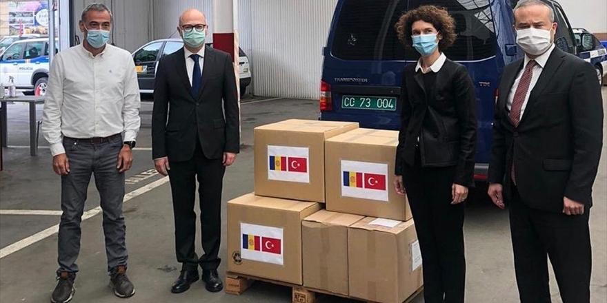 Türkiye'den Kovid-19 Sürecinde Andorra'ya Tıbbi Malzeme Yardımı