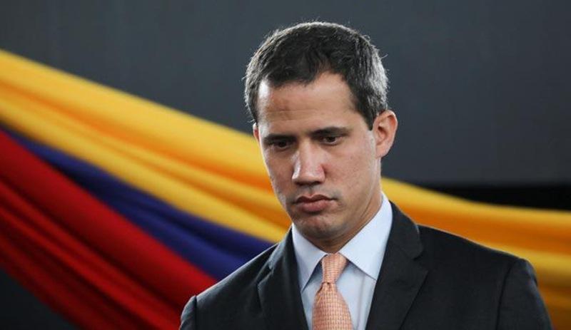 Venezüella Dışişleri Bakanı: Guaido, Caracas'taki Fransız elçiliğine sığındı