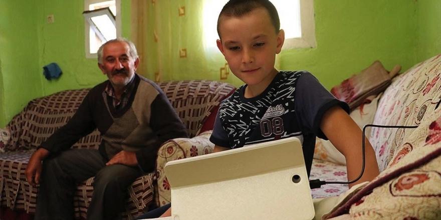 10 Yaşındaki Enes Artık EBA Dersleriniizlemek İçin Yürümek Zorunda Kalmıyor