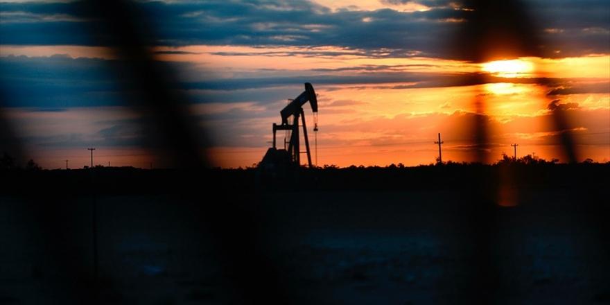 'OPEC'in Üretim Kesintisi Kararı Petrol Piyasasını Olumlu Etkileyecek'