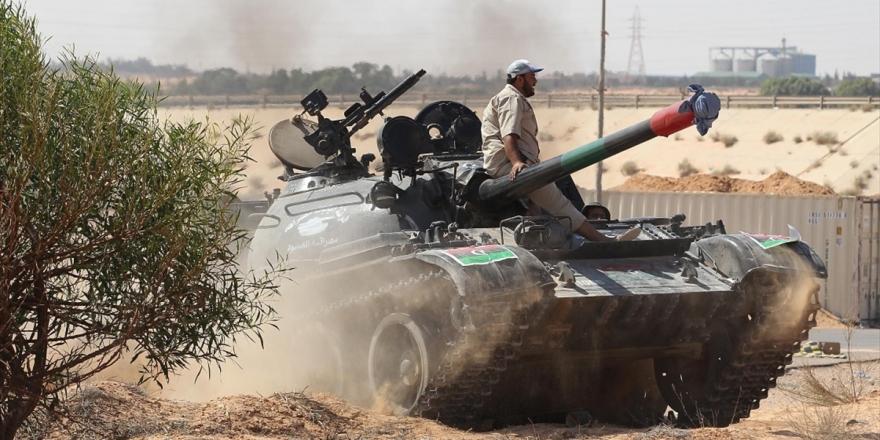 Libya Ordusu, Sirte'yi Kurtarmak İçin Kentin Banliyölerine Askeri Sevkiyatı Artırdı