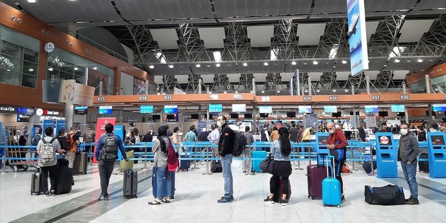 İstanbul Havalimanlarında 5 Ayda 19 Milyondan Fazla Yolcu Uçtu