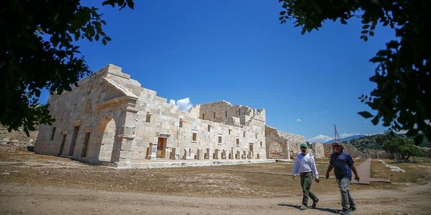Patara Doğa, Tarih Ve Kültürle Baş Başa Bir Tatil İmkanı Sunuyor