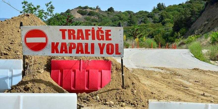 Gelibolu Yarımadası Tarihi Alanı'ndaki Anzak Koyu'nda Heyelan