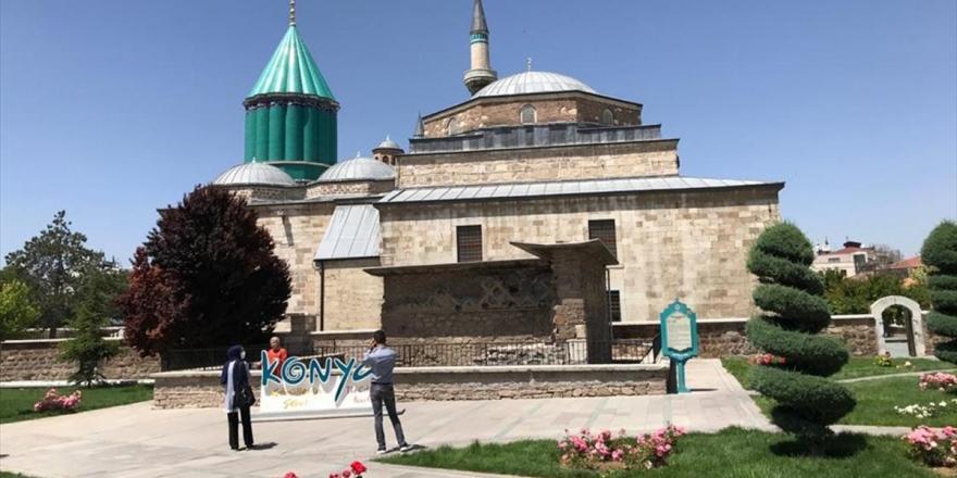 Mevlana Müzesi Uzun Aradan Sonra Yeniden Ziyaretçilerini Ağırlıyor
