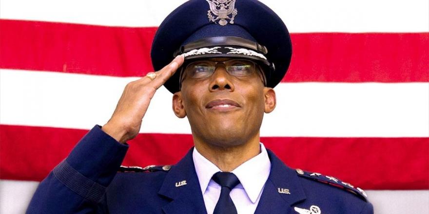 ABD Tarihinde İlk Siyahi Kuvvet Komutanı Atandı