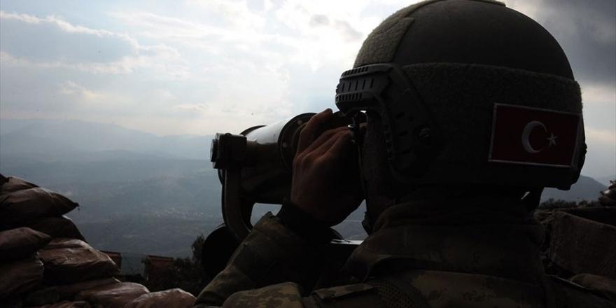 MSB: 2 PKK'lı Terörist Güvenlik Güçlerine Teslim Oldu