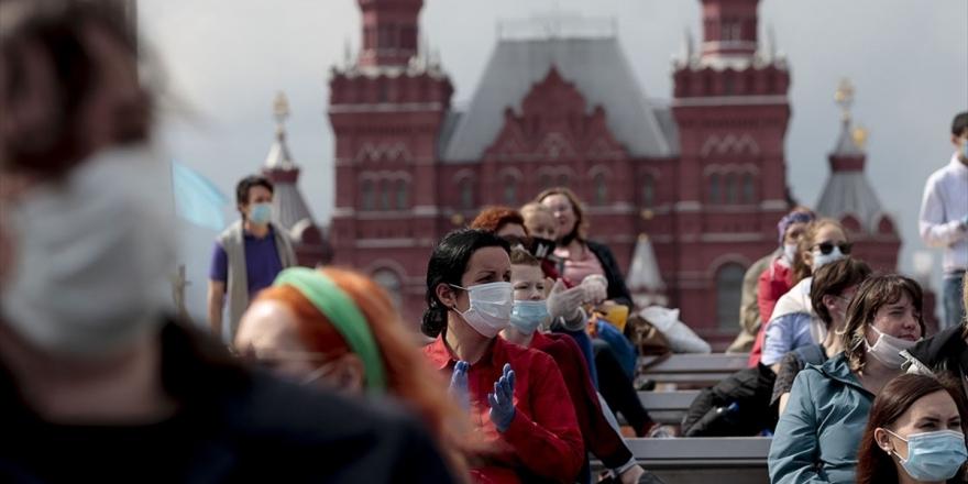 Rusya'da Kovid-19 Vaka Sayısı 500 Bine Yaklaştı