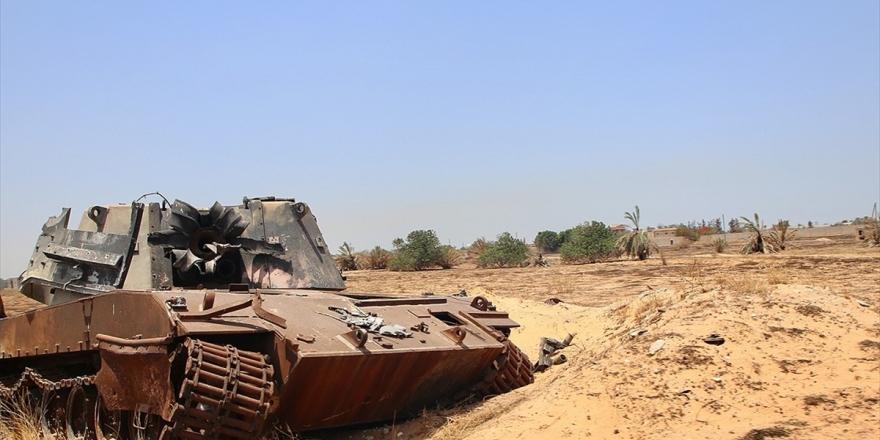 Libya'da Hafter Milisleri El-fil Petrol Sahasını Basarak Üretimi Durdurdu