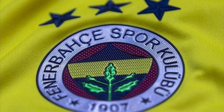 Fenerbahçe, Şilili Futbolcu Mauricio Isla İle Karşılıklı Anlaşarak Yollarını Ayırdı