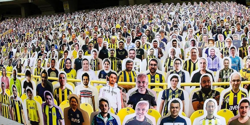 Fenerbahçe Kulübü Ülker Stadı'na Taraftar Kartonetleri Yerleştirdi