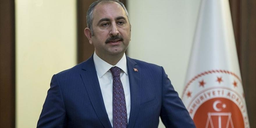 Adalet Bakanı Gül: Türk Yargısının Emir Alacağı Tek Merci Anayasa Ve Kanunlardır