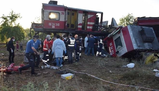 Trenler kafa kafaya çarpıştı! Ölü ve yaralılar var