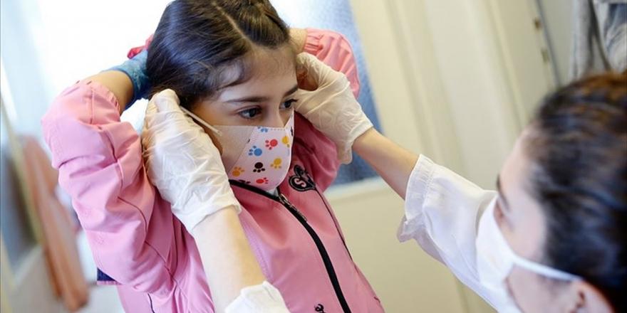 Maskenin Doğru Kullanılmaması Göz Ve Cilt Hastalıklarına Da Yol Açabilir