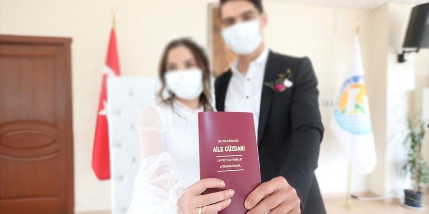İçişleri Bakanlığı 'Nikah Merasimlerinde Uygulanacak Tedbirler' Konulu Genelge Gönderdi