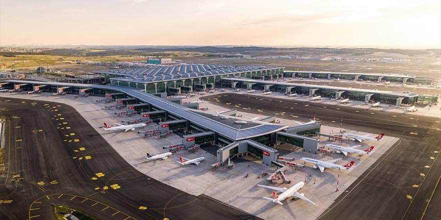 İstanbul Havalimanı'nda 3. Bağımsız Pist, Devlet Konukevi Ve Cami Hizmete Açılıyor