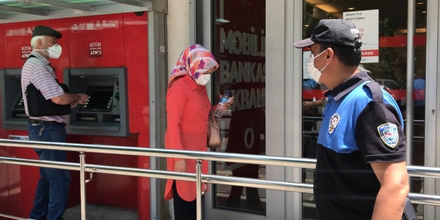Adana Valiliği: Kovid-19 Vakalarındaki Artışın Sürmesi Halinde Ek Tedbirler Kaçınılmaz