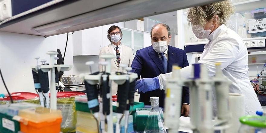 Bakan Varank Kovid-19'a Karşı Aşı Ve İlaç Geliştirme Çalışmalarını Yerinde İnceledi
