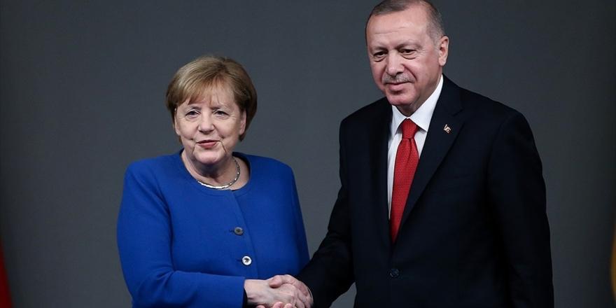 Erdoğan İle Merkel Videokonferans Görüşmesi Gerçekleştirdi