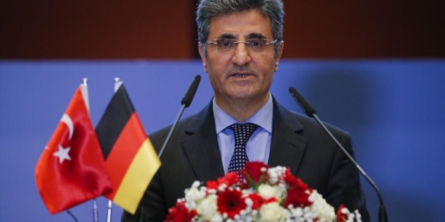 Türkiye'nin Berlin Büyükelçisinden Almanya'nın Türkiye'yi 'Risk Bölgesi' Göstermesine Tepki