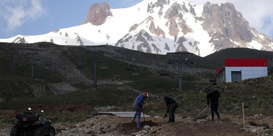 Erciyes Bisiklet Sporlarının Da Merkezi Haline Geldi