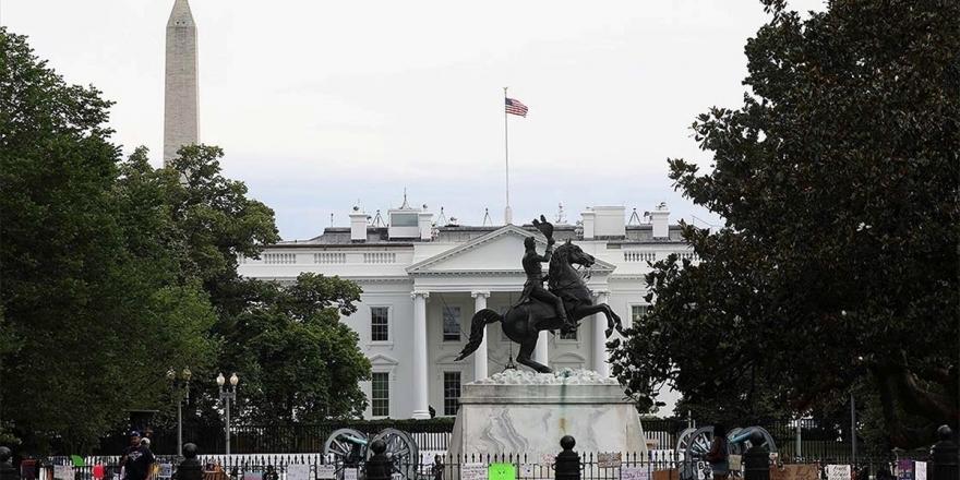 Beyaz Saray'ın Önündeki Andrew Jackson Heykeli Göstericiler Tarafından Yıkılmak İstendi